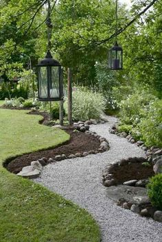 Rustic Gardens, Outdoor Gardens, Unique Garden, Natural Garden, Easy Garden, Front Yard Landscaping, Landscaping Ideas, Mulch Landscaping, Walkway Ideas