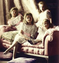 Gran Duchess Tatiana,Anastasia, Olga and Maria.