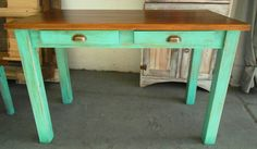 #Mesa reciclada a mano medidas: 1.10 x 0.60 x 0.80 Primitive Tables, Feng Shui, Chalk Paint, Entryway Tables, Woodworking, Diy Projects, Furniture, Craft, Home Decor