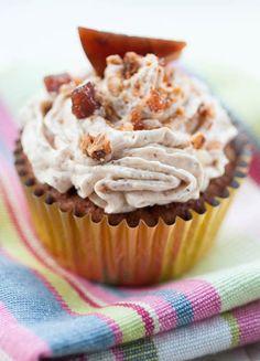 from cupcakiest hazelnut praline cupcakes hazelnut praline cupcakes ...