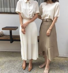 Find and save up to date fashion trends and the latest style inspiration, ootd photography and outfit looks Aesthetic Fashion, Look Fashion, Fashion Design, Street Fashion, Classy Fashion, Fall Fashion, Trendy Fashion, Feminine Fashion, Korea Fashion