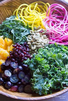Eat-The-Rainbow Kale Beet Power Salad is nutrition-packed with leafy greens, spiralized beets, fresh fruit, and Bragg cider vinaigrette. Healthy Salads, Healthy Eating, Healthy Skin, Power Salad, Avocado, Vegetarian Recipes, Healthy Recipes, Snack Recipes, Eat The Rainbow