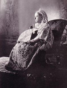 La reine Victoria lors de son Jubilé de diamant en 1897 (photographe inconnu)