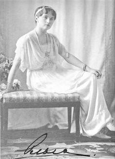 Olga Nikolaevna in official photograph, circa 1913