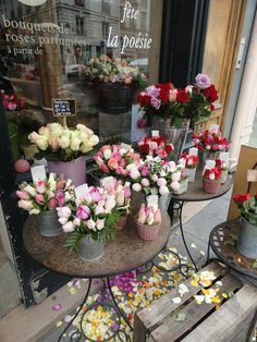 This cute little flower shop makes it *feel* like Springtime Summertime all year long.   Paris.