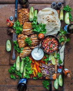 food platters * food ` food recipes ` food videos ` food photography ` food and drink ` food recipes for dinner ` food aesthetic ` food platters Appetizer Recipes, Dinner Recipes, Appetizers, Brunch Recipes, Good Food, Yummy Food, Tasty, Cooking Recipes, Healthy Recipes
