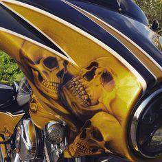 Harley Bagger, Custom Bikes, Superhero, Orange, Guys, Black, Black People, Custom Motorcycles, Custom Bobber