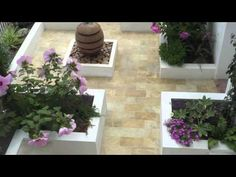 Just love this look at a real Spanish courtyard from Rachel at Successful Garden Design.
