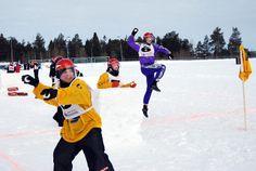 Der große Wurf - Beim Yukigassen im finnischen Kemijärvi wird im April der Europameister in der Schneeballschlacht ermittelt. Bei dem Spektakel kann jeder teilnehmen. Mehr dazu hier: http://www.nachrichten.at/reisen/Der-grosse-Wurf;art119,1285134 (Bild: srt)