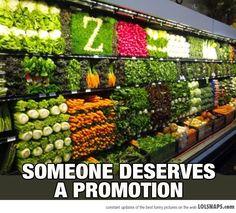 Al Super? NI MANDADO HACER...Esto está divino, si yo fuera el empleado que hizo esto, moriría cada que alguien tratara de comprar verdura
