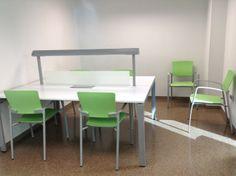 Biblioteca de Ciències de la Salut. Sala d'estudi i treball en grup.