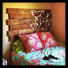 Amazing diy head board--cute for Katie or ethan