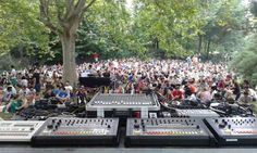 """""""Les Siestes Electroniques"""": Sunday chill electro at the Quai Branly in Paris"""