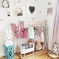 Love this for kids room Baby Bedroom, Girls Bedroom, Deco Kids, Toddler Rooms, Kids Rooms, Little Girl Rooms, Kid Spaces, Kids Decor, Room Inspiration