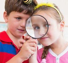 Elige el mejor colegio para tus hijos Denmark, Netflix, Glasses, Crafts To Make, Felt Ball, Popsicle Recipes, Eyewear, Eyeglasses, Eye Glasses