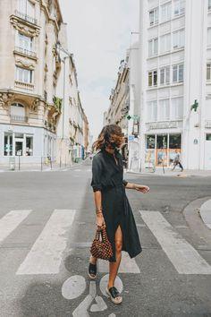 Petite robe noire VS robe fleurie – Laugh of Artist Cute Simple Outfits, Silk Shirt Dress, Fashion 2020, Fashion Fashion, Retro Fashion, Korean Fashion, Runway Fashion, Vintage Fashion, Fashion Trends