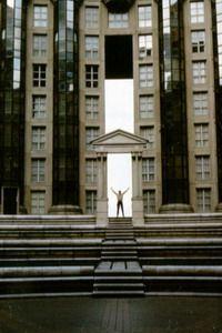 Osada; osiedle i dzielnica - Budynek postmodernistyczny, lata 80., Marne-la-Valee. Foto. Janusz A. Włodarczyk.