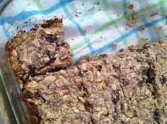 good to take to work! gluten free snack bars with oats, dried cranberries and nuts. // mommy, run fast