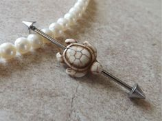 White and Tan Turtle Industrial Barbell Body Jewelry Ear Jewelry Double Piercing White and Tan Industrial Barbell Körperschmuck … Industrial Piercing Jewelry, Industrial Earrings, Industrial Barbell, Industrial Bars, Body Jewellery, Ear Jewelry, Fine Jewelry, Mommy Jewelry, Jewelry Stand