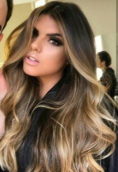 Balayage hair is suitable for light and dark hair, almost all lengths except very short haircuts. Today I want to show you the most gorgeous balayage hair dark color ideas. Balayage has become the biggest trend in recent seasons, and it's not over Hair Color Balayage, Balayage Highlights, Balayage Brunette Long, Balayage On Long Hair, Hair Color Ideas For Brunettes Balayage, Ombre Balayage, Balayage Hair Honey, Cabelo Ombre Hair, Baliage Hair