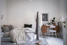 Gravity Home: Scandinavian bedroom with workspace