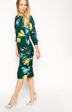 ASOS(エイソス) の女性らしい奇麗なラインを表現してくれるタイトワンピース (Wiggle Dress)です。通販だからできる割引価格でお届けします。