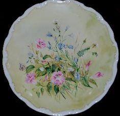 Royal Albert - Shakespeare's Flowers - Collector Plates www.royalalbertpatterns.com Painted Plates, China Plates, Royal Albert, China Porcelain, The Collector, Trays, Decorative Plates, Cottage, Antiques
