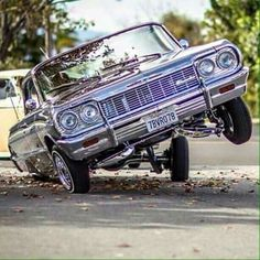 Arte Lowrider, Lowrider Model Cars, Lowrider Trucks, Chevrolet Impala, 64 Impala Lowrider, Bugatti, Vintage Cars, Antique Cars, Ferrari