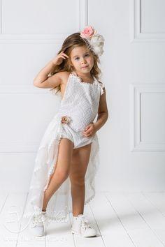 Βαπτιστικά για Κορίτσια DESIGNER'S CAT (CAT IN THE HAT) - Εν Λευκώ   Ηράκλειο Κρήτης Girls Dresses, Flower Girl Dresses, Cute Kids, Kendall, Kids Fashion, Wedding Dresses, Design, Lace Dress, Christening