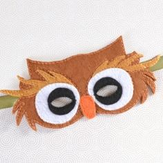 Make a sweet felt owl mask with this free pattern!