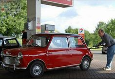 Looks like he's squeezing every last drop in to the tank of this sweet mk2 On the FILL UP FRIDAY Forecourt!