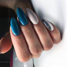Beautiful blue nails, Blue nail art, brilliant nails, Christmas nails, Festive n… Perfect Nails, Gorgeous Nails, Pink Nails, Gel Nails, Color Nails, Blue Nails Art, Nail Nail, Matte Nails, Ongles Gel Violet