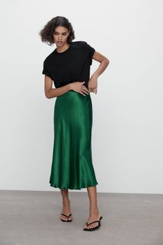 Zara Satin Effect Midi Skirt Slip Skirts, Cute Skirts, Women's Skirts, Spring Skirts, Spring Outfits, Knit Skirt, Midi Skirt, Moda Zara, Zara Mode