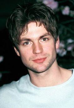 SIMPLY IRRESISTIBLE MEN — 94 - Gale Harold Born: 1969 See him: Queer as...