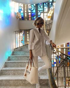 50 Fashion, Fashion Outfits, Womens Fashion, Spaniard Women, New Outfits, Summer Outfits, White Shirt And Jeans, Facon, Street Style Women