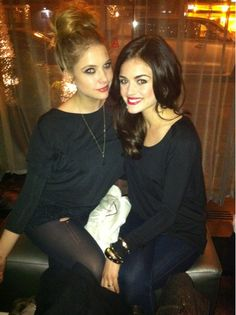 Ashley Benson (Hanna Marin) & Lucy Hale (Aria Montgomery) - Pretty Little Liars