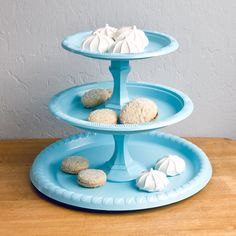 Savvy Chic: Dollar-Store Tiered Tray - I don't know how I feel about spray paining it tho...