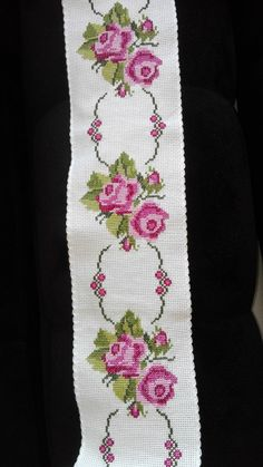1 million+ Stunning Free Images to Use Anywhere Cross Stitch Borders, Cross Stitch Rose, Cross Stitch Flowers, Cross Stitch Designs, Cross Stitch Embroidery, Cross Stitch Patterns, Paper Embroidery, Doily Patterns, Crochet Patterns