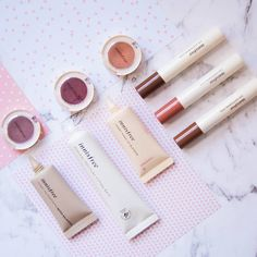 Treating Your Skin care Problems Effectively And Efficiently. Flatlay Makeup, Flatlay Styling, Innisfree Skincare, Makeup Blender, Korean Make Up, Korean Skincare Routine, Daily Makeup, Makeup Routine, Insta Makeup