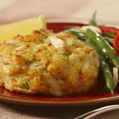 The exquisite taste of Phillips Crab Meat shines with the added crunch of Kinnikinnick Foods Gluten Free Panko Style Bread Crumbs in this recipe for Gluten Free Crispy Crab Cakes. Crab Cake Recipes, Gf Recipes, Lemon Recipes, Seafood Recipes, Gluten Free Recipes, Dinner Recipes, Cooking Recipes, Crab Cakes With Panko Bread Crumbs Recipe, Gluten Free Crab Cakes