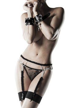 Erotik Set Strapsgürtel String Feseln Strümpfe