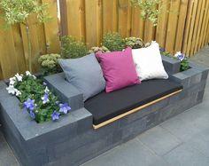 36 Easy And Cheap Backyard Seating Ideas ⋆… - Easy Diy Garden Projects Backyard Seating, Backyard Retreat, Garden Seating, Outdoor Seating, Backyard Patio, Backyard Landscaping, Back Gardens, Outdoor Gardens, Patio Design