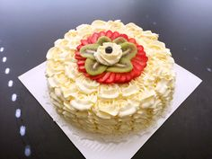 Whipped Cream Cake with Fruit Topping(鲜奶油水果蛋糕)
