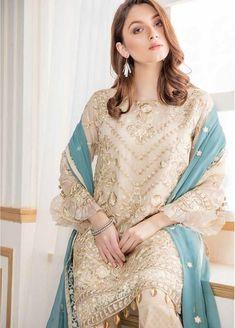 Designer Party Wear by Maryum N Maira Model # C 1520 Pakistani Fashion Party Wear, Pakistani Wedding Outfits, Dresses Short, Casual Dresses, Fashion Dresses, Party Dresses Online, Party Wear Dresses, Beautiful Pakistani Dresses, Party Kleidung