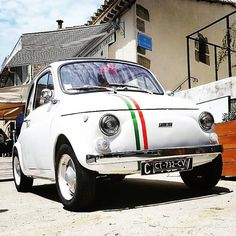 Wow una 500 in versione #madeinitaly  Repost from @fiat500cinquecento #500 #fiat #fiat500 #cinquecento #cinquino #italy #italia #car #cars #beautycars #instacar #instacinquecento #insta500 #fiat500cinquecento #igers #igers500 #igerscar #retroautos #retrocars #500love #love500 #thehappycar #500happypeople @Regrann from @sneaksandwheels