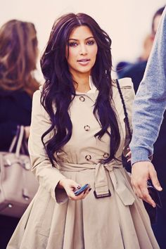 I don't care for Kim K. personally, but she has gorgeous hair & makeup!
