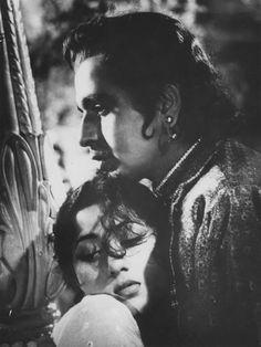karepsa:    Madhubala and Dilip Kumar in Mughal-e-Azam, 1960.