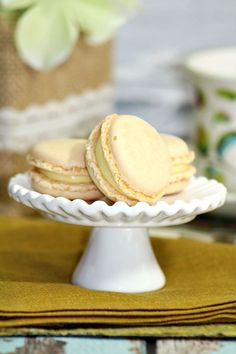 Homemade French Vanilla Macarons Recipe with Vanilla Buttercream Filling - Make your own macaron cookies at home!