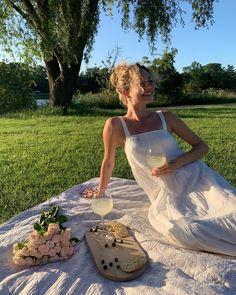 Vicky Christina Barcelona, The Last Summer, Mode Ootd, European Summer, Foto Instagram, Summer Dream, Summer Aesthetic, Summer Feeling, White Dress