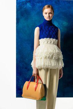 Delpozo Pre-Fall 2016 Fashion Show Collection: See the complete Delpozo Pre-Fall 2016 collection. Look 10 Knitwear Fashion, Knit Fashion, Fashion News, Fashion Show, Fashion Trends, Style Fashion, Runway Fashion, Fall Fashion 2016, Autumn Fashion